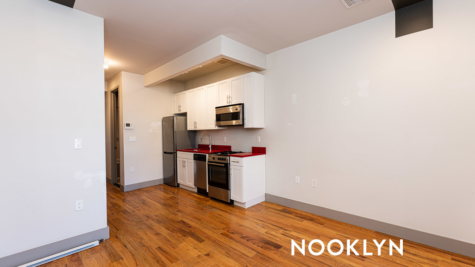 A $2,550.00, 3 bed / 1 bathroom apartment in Bed-Stuy