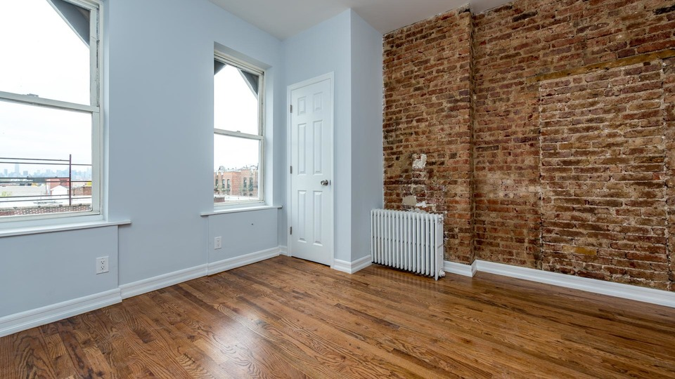 A $2,429.00, 2 bed / 1 bathroom apartment in Bushwick