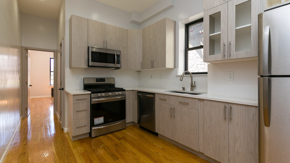 A $2,800.00, 3 bed / 2 bathroom apartment in Bed-Stuy
