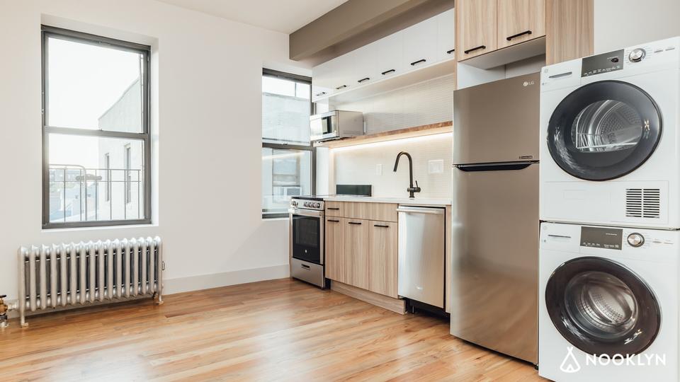 A $1,700.00, 1 bed / 1 bathroom apartment in Bensonhurst