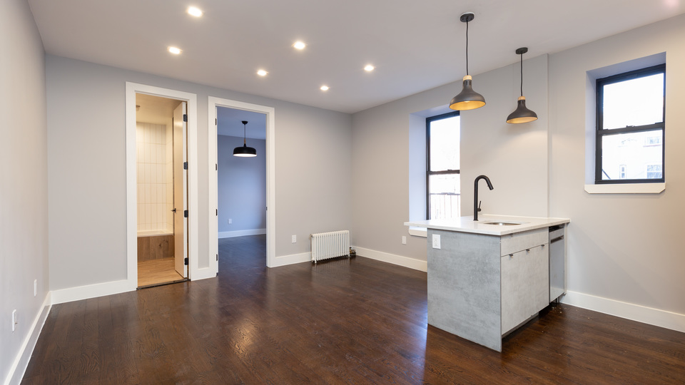 A $2,555.00, 3 bed / 1 bathroom apartment in Crown Heights