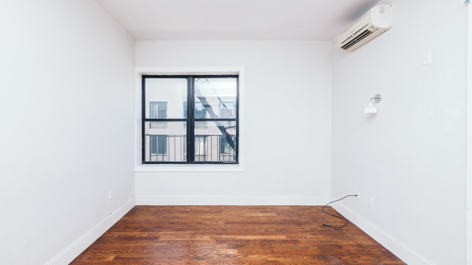 A $2,400.00, 3 bed / 1 bathroom apartment in Ridgewood