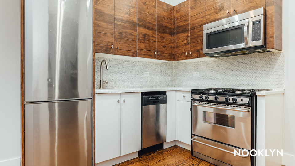 A $3,000.00, 4 bed / 1.5 bathroom apartment in Ridgewood