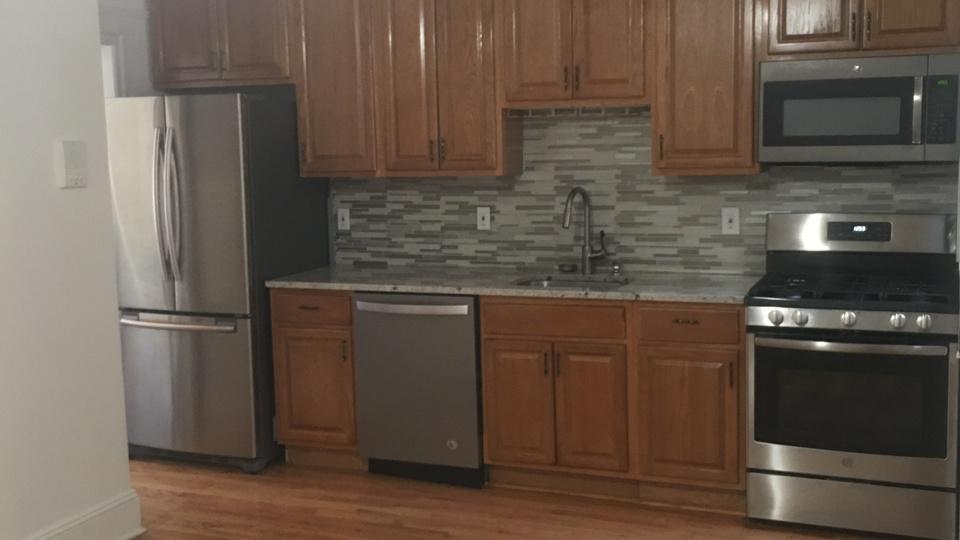 A $3,400.00, 3 bed / 1 bathroom apartment in Clinton Hill