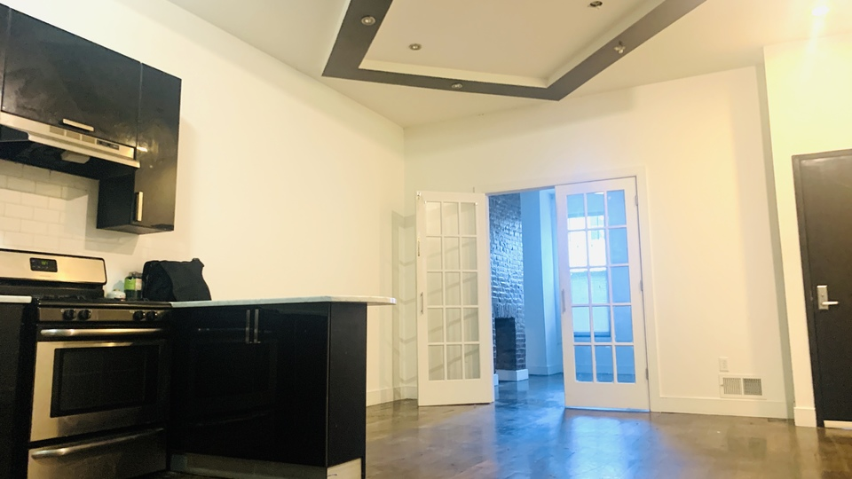 A $3,208.00, 3.5 bed / 1.5 bathroom apartment in Bushwick