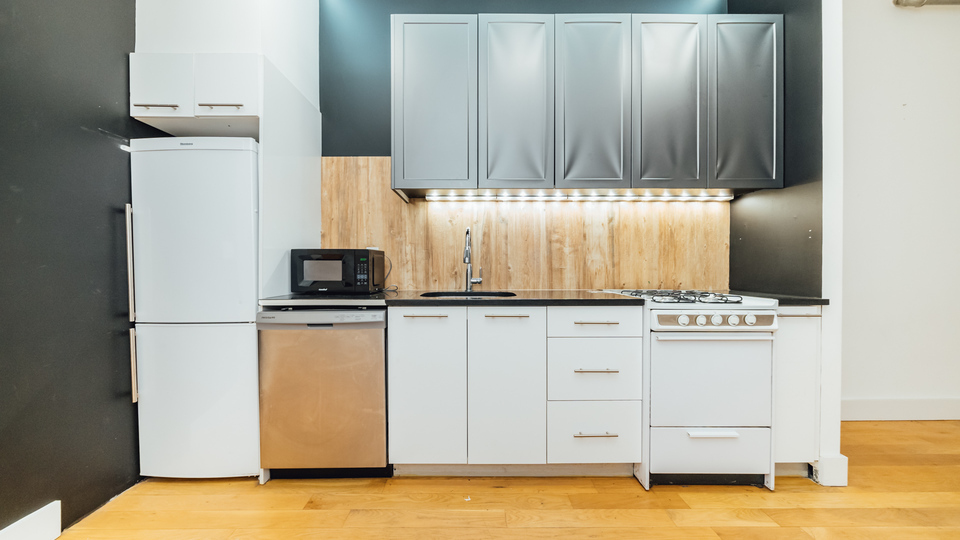 A $2,500.00, 2 bed / 1 bathroom apartment in Williamsburg