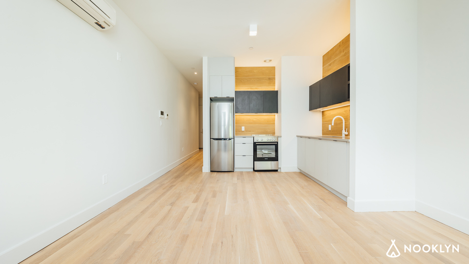 A $2,800.00, 1.5 bed / 1 bathroom apartment in Williamsburg