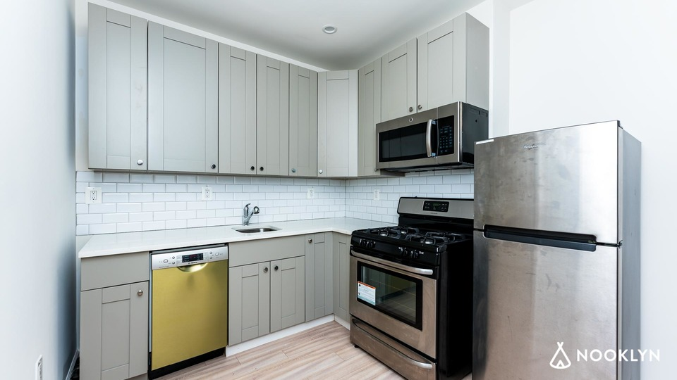 A $3,500.00, 2 bed / 1 bathroom apartment in Park Slope