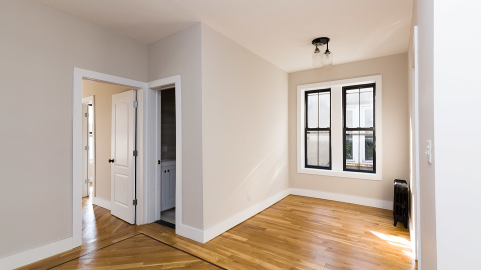 A $2,300.00, 3 bed / 1 bathroom apartment in East New York