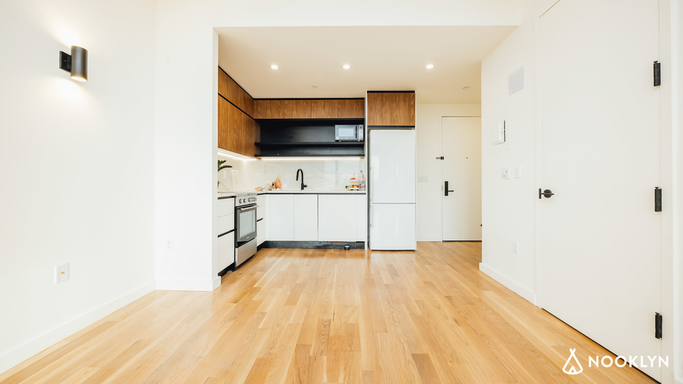 A $2,600.00, 2 bed / 1 bathroom apartment in Flatbush