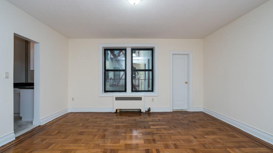 A $1,575.00, 0 bed / 1 bathroom apartment in Flatbush