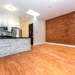 A $4,000.00, 4 bed / 1.5 bathroom apartment in Bushwick