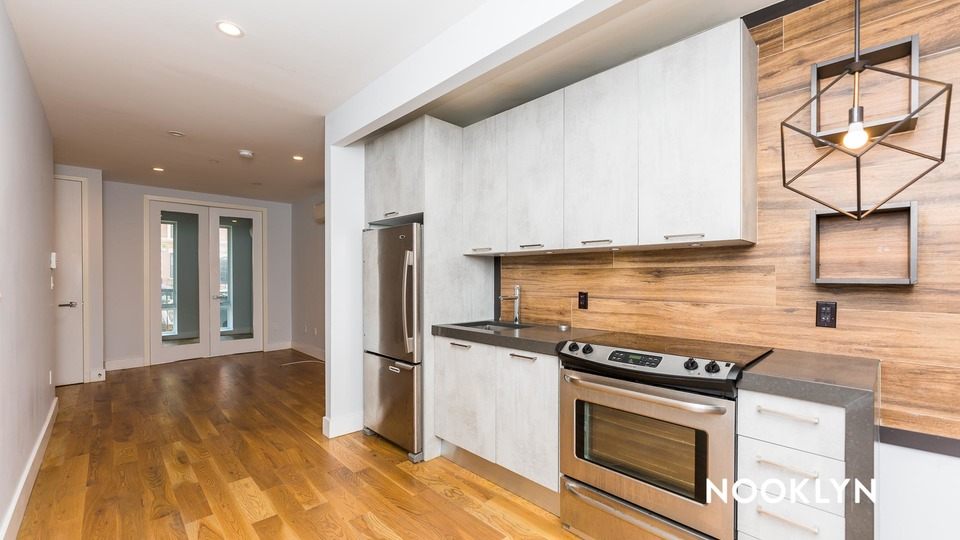 A $3,150.00, 4 bed / 1.5 bathroom apartment in PLG: Prospect Lefferts Gardens