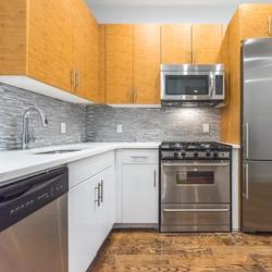 A $2,850.00, 3 bed / 1 bathroom apartment in Ridgewood