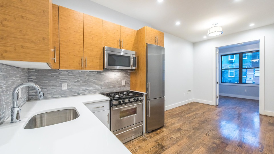 A $3,099.00, 4 bed / 1.5 bathroom apartment in Ridgewood