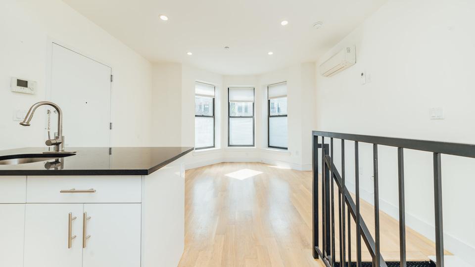 A $2,049.00, 1 bed / 1 bathroom apartment in Bushwick