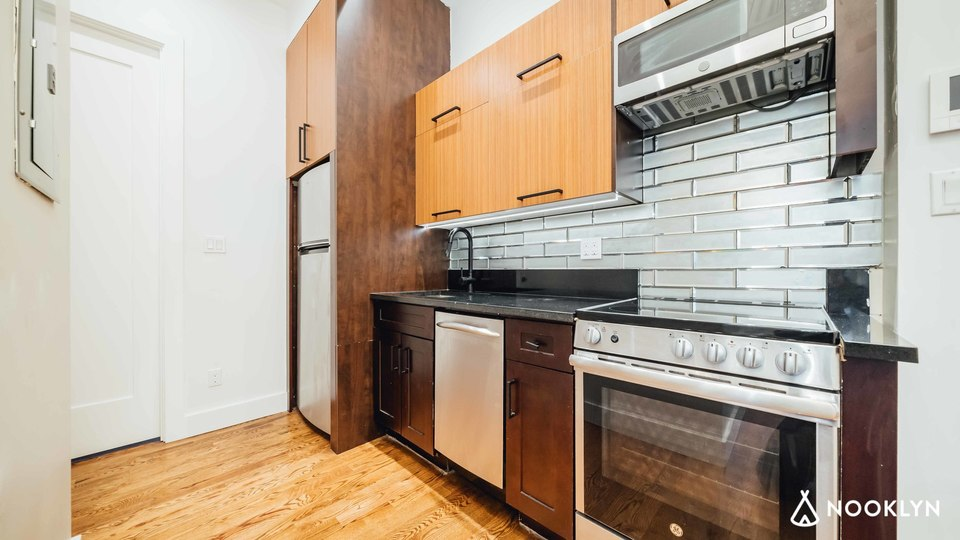 A $3,585.00, 3 bed / 2 bathroom apartment in Sunset Park