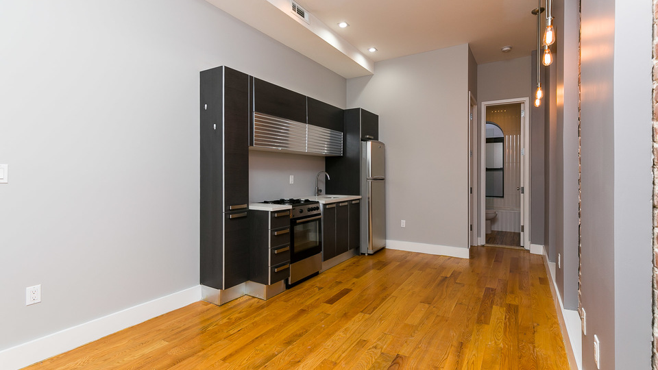 A $2,760.00, 4 bed / 2 bathroom apartment in Bed-Stuy