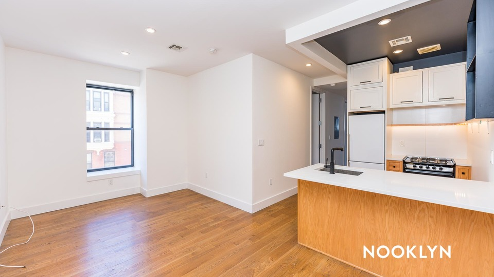 A $2,890.00, 4 bed / 1.5 bathroom apartment in Bed-Stuy
