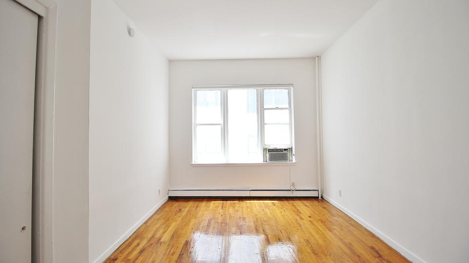 A $2,100.00, 0 bed / 1 bathroom apartment in Flatiron