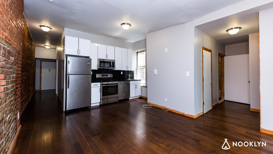 A $3,025.00, 3 bed / 2 bathroom apartment in Harlem