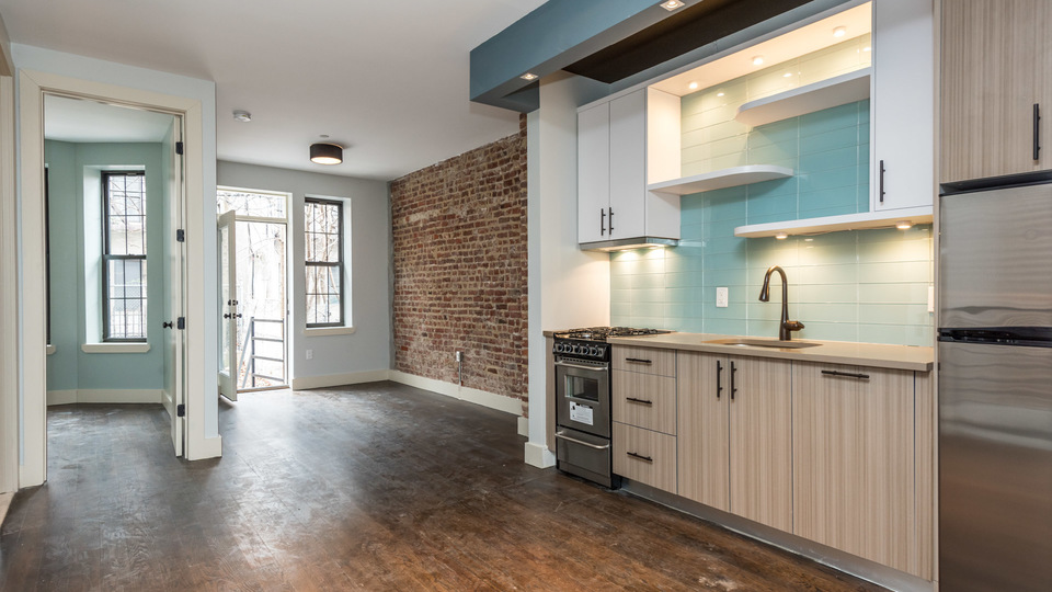 A $2,699.00, 2 bed / 1.5 bathroom apartment in Bed-Stuy