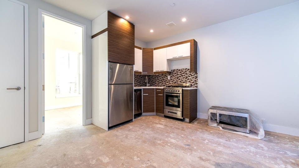 A $3,391.00, 3 bed / 1.5 bathroom apartment in Greenpoint