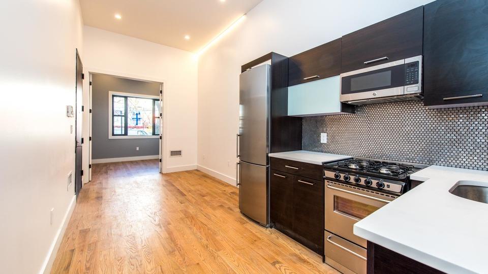 A $3,250.00, 4 bed / 1.5 bathroom apartment in Ridgewood