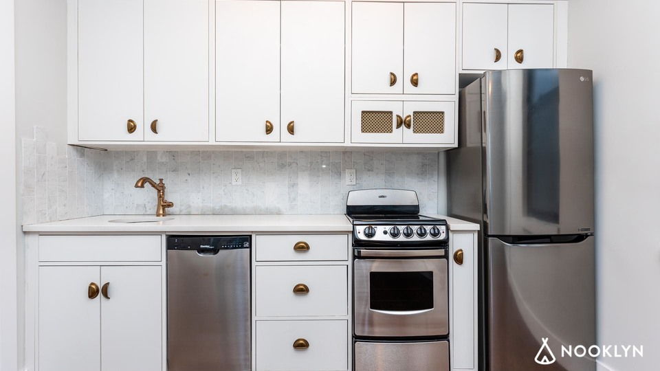 A $2,600.00, 1 bed / 1 bathroom apartment in Clinton Hill