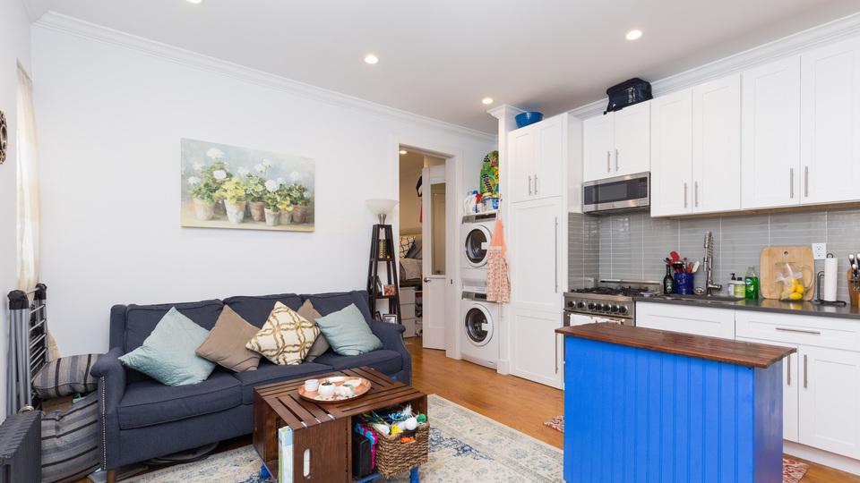 A $3,071.00, 2 bed / 1 bathroom apartment in Clinton Hill