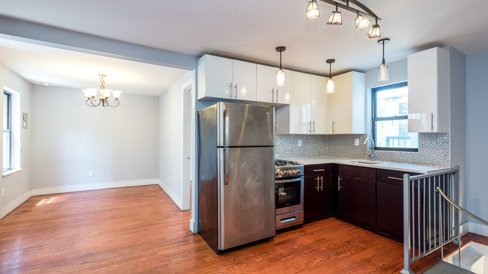 A $5,500.00, 5 bed / 2 bathroom apartment in Williamsburg