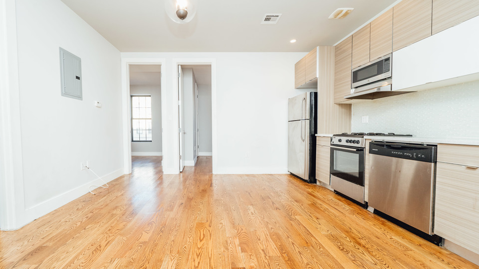 A $3,000.00, 4 bed / 1.5 bathroom apartment in Crown Heights