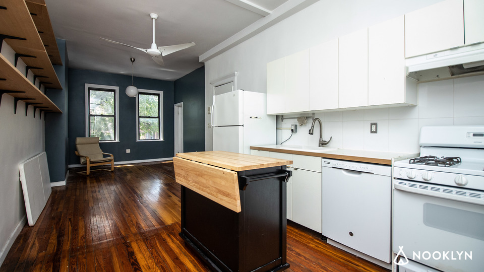 A $3,350.00, 3 bed / 2 bathroom apartment in Bed-Stuy