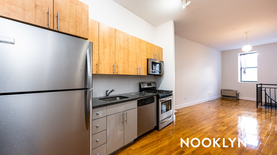 A $2,285.00, 1.5 bed / 2 bathroom apartment in Bed-Stuy