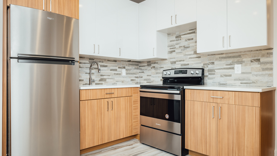 A $2,300.00, 2 bed / 1 bathroom apartment in Morris Heights