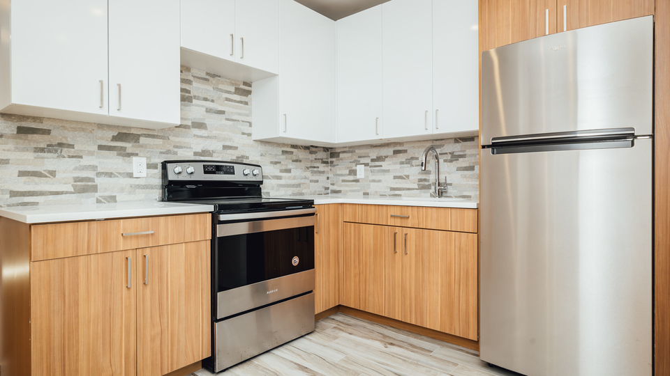 A $2,400.00, 2 bed / 1 bathroom apartment in Morris Heights