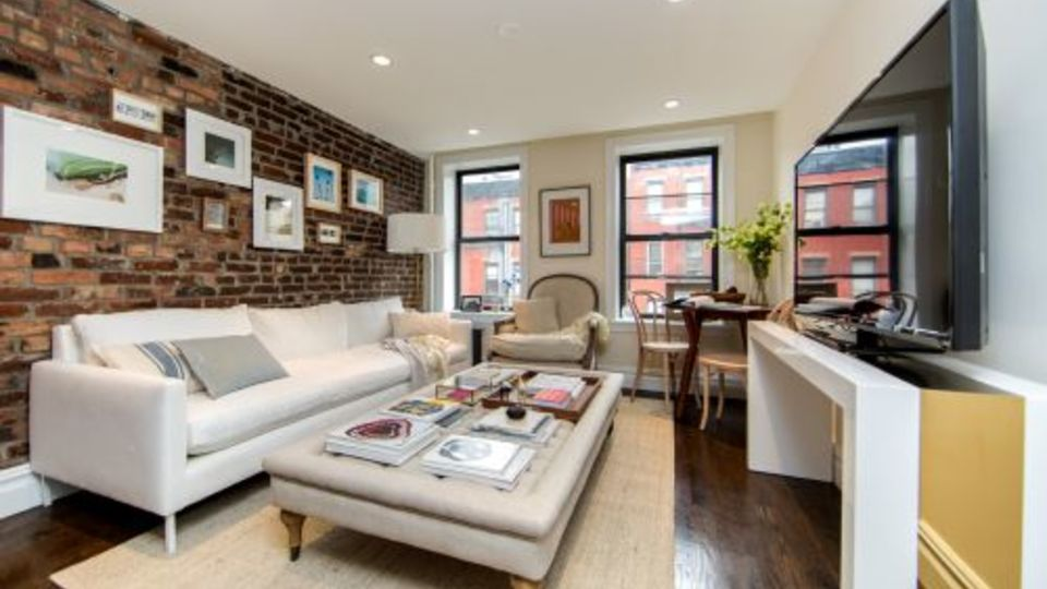 A $4,069.00, 2 bed / 1 bathroom apartment in East Village