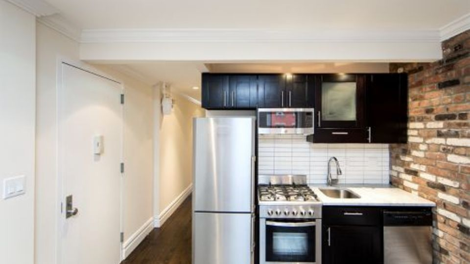 A $4,113.00, 2 bed / 1 bathroom apartment in East Village