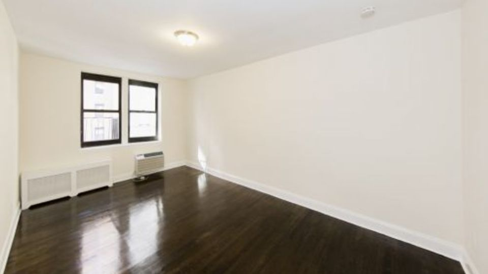 A $2,344.00, 0 bed / 1 bathroom apartment in Midtown