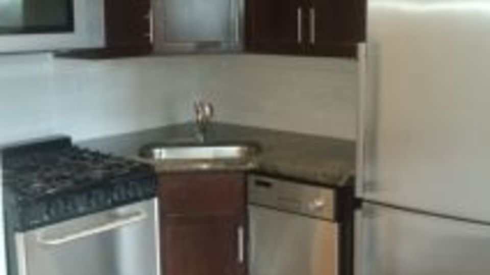 A $2,123.00, 0 bed / 1 bathroom apartment in Upper East Side