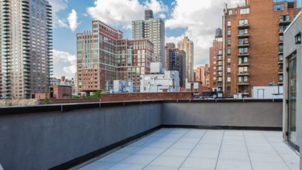 A $2,477.00, 1 bed / 1 bathroom apartment in Upper East Side