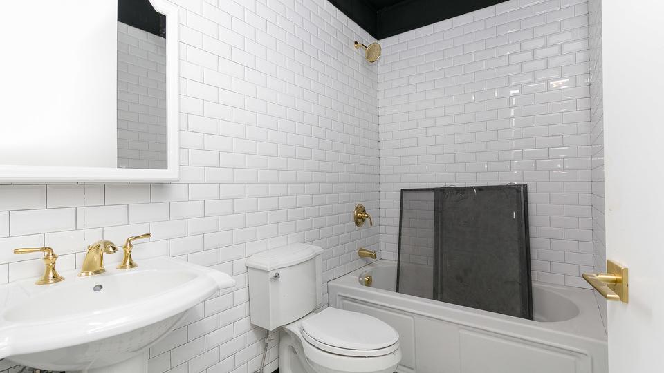A $2,650.00, 1 bed / 1 bathroom apartment in Clinton Hill