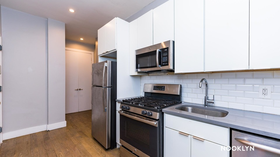 A $1,699.00, 0 bed / 1 bathroom apartment in Harlem