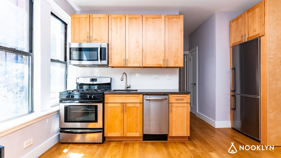 A $3,550.00, 2 bed / 1 bathroom apartment in Lower East Side