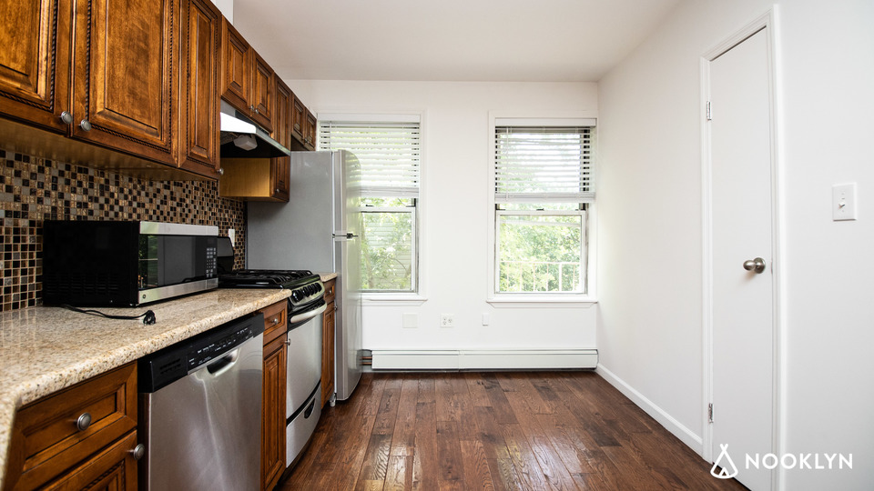 A $2,600.00, 1 bed / 1 bathroom apartment in Williamsburg