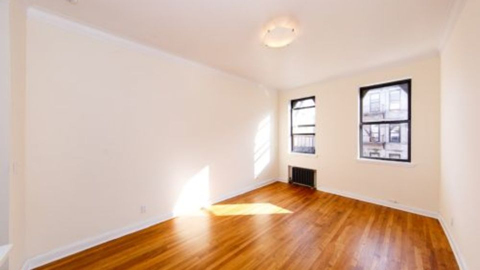 A $2,477.00, 0 bed / 1 bathroom apartment in East Village