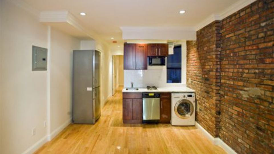 A $3,494.00, 2 bed / 1 bathroom apartment in East Village