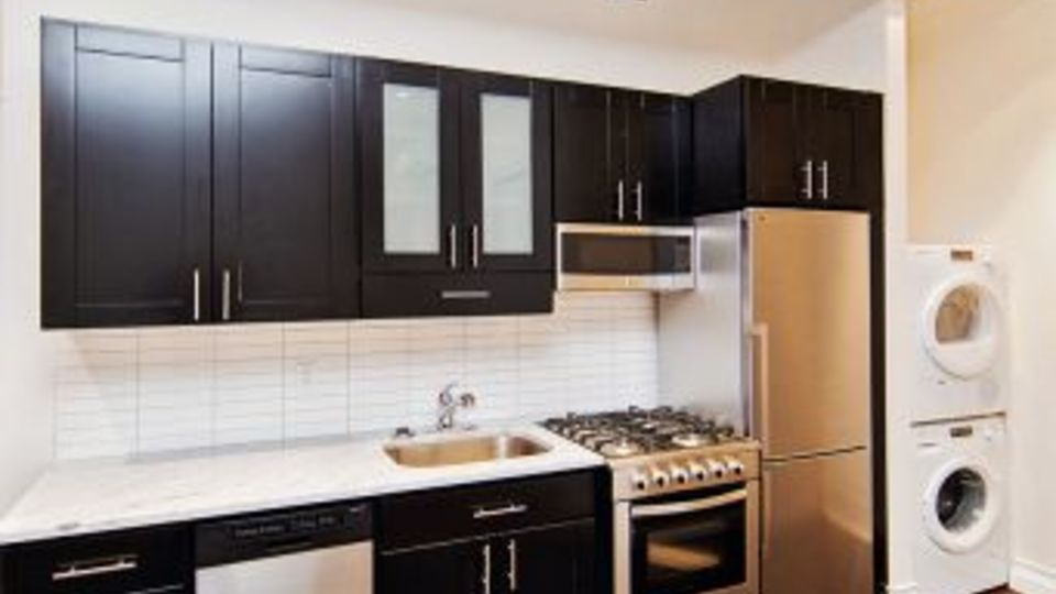 A $5,396.00, 3 bed / 1 bathroom apartment in Kips Bay