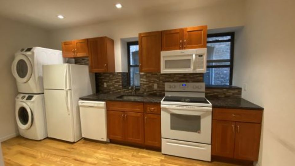 A $5,958.00, 4 bed / 2 bathroom apartment in Hell's Kitchen
