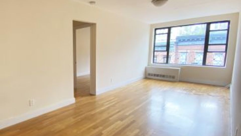 A $3,208.00, 1.5 bed / 1 bathroom apartment in Hell's Kitchen